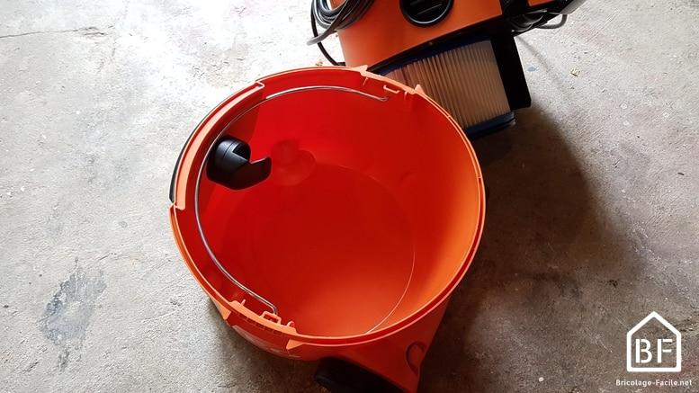 cuve de l'aspirateur eaux et poussières AEG AP2-200 ELCP