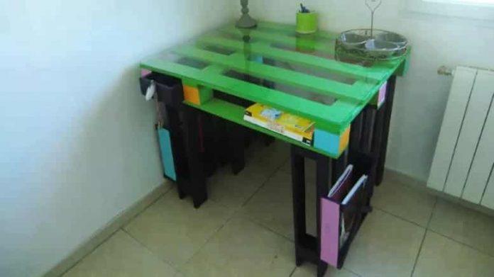 brueau en bois de palettes pour enfants