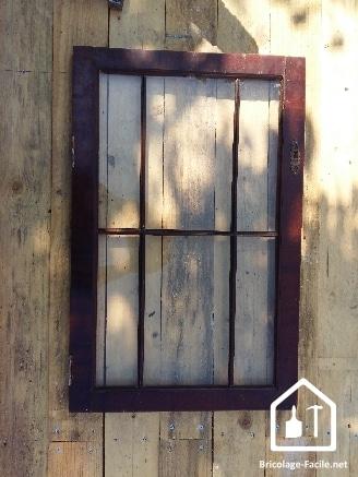 Réaliser une cabane en bois de palettes - la fenêtre