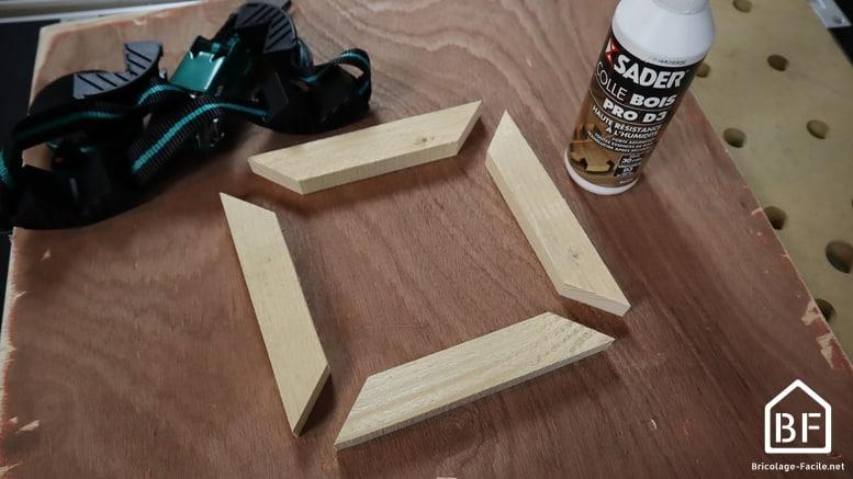 assemblage des 4 pièces de bois du cadre photo