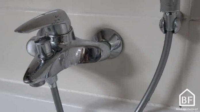 Changer un flexible de douche