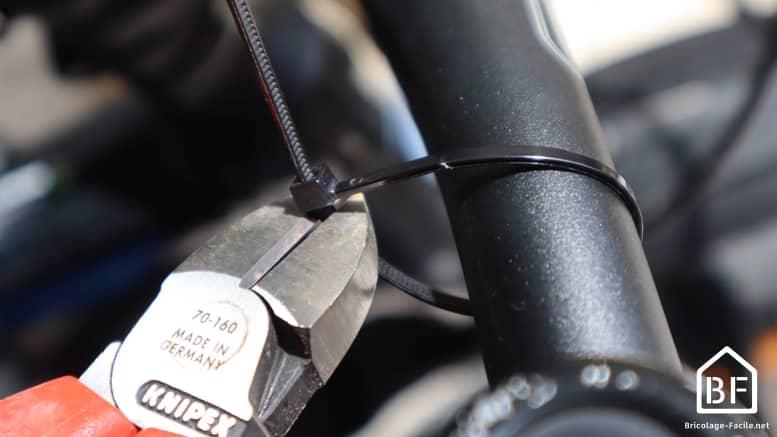 coupe d'un collier de serrage