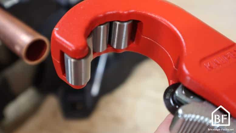 rouleau et lame du coupe-tube
