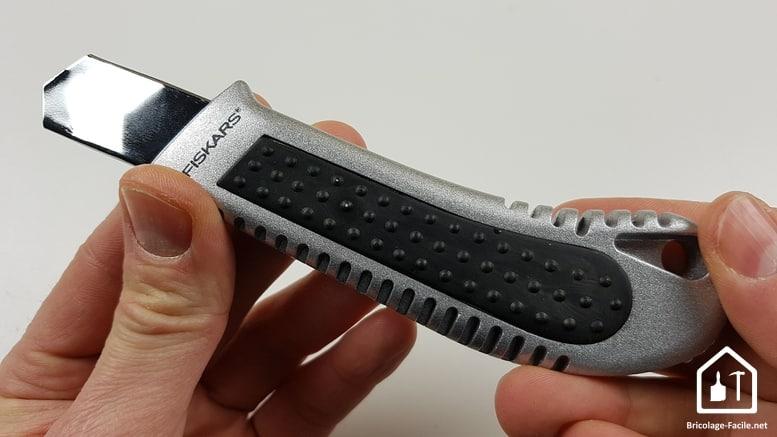 Cutter Fiskars - le cutter métal arrière