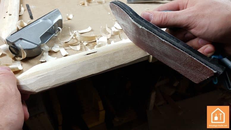 Epée en bois - ponçage du bois