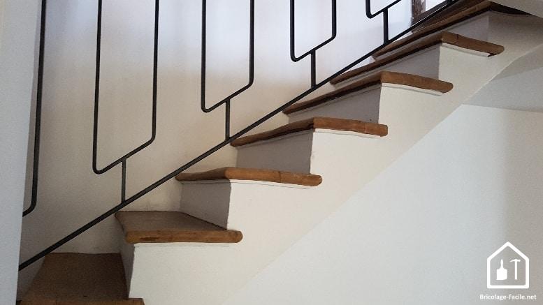 peindre un escalier bois conseils produits bricolage facile. Black Bedroom Furniture Sets. Home Design Ideas