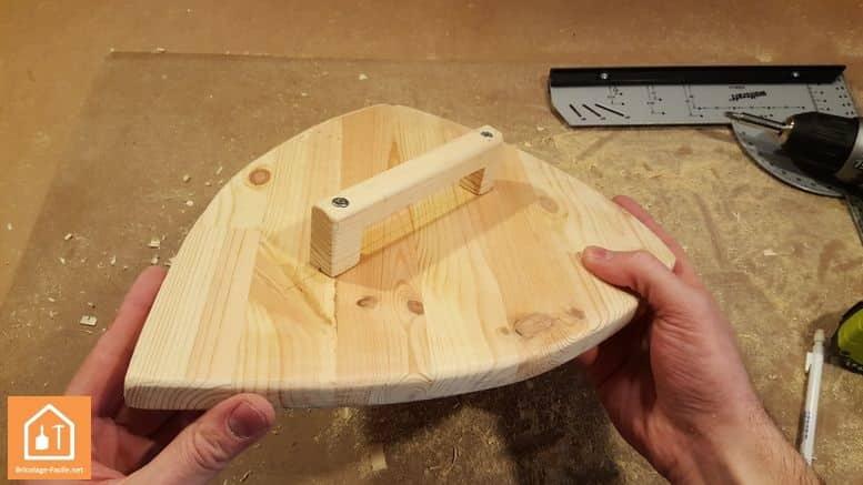 Fabriquer un bouclier en bois - bouclier en bois terminé