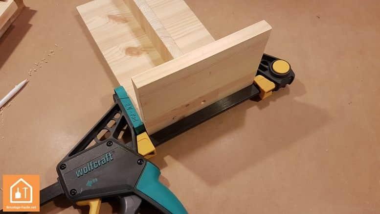 Fabriquer un marche pied en bois - serrage
