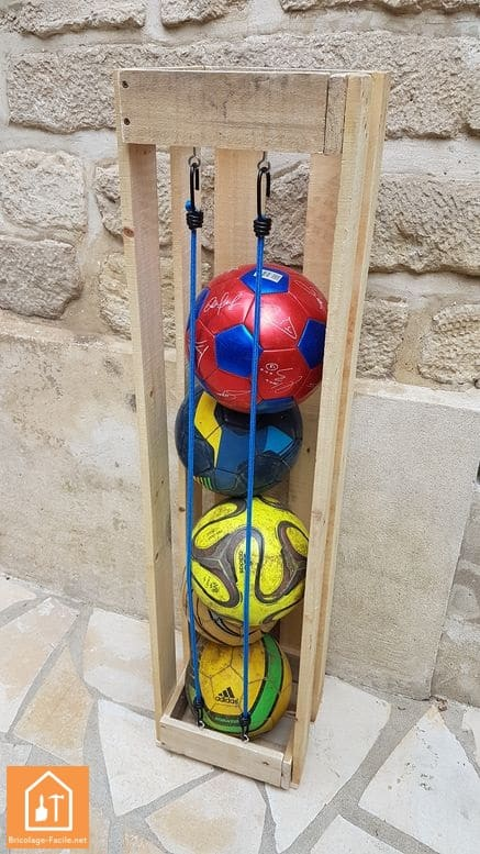 fabriquer un rangement pour ballons en palette - la colonne complète