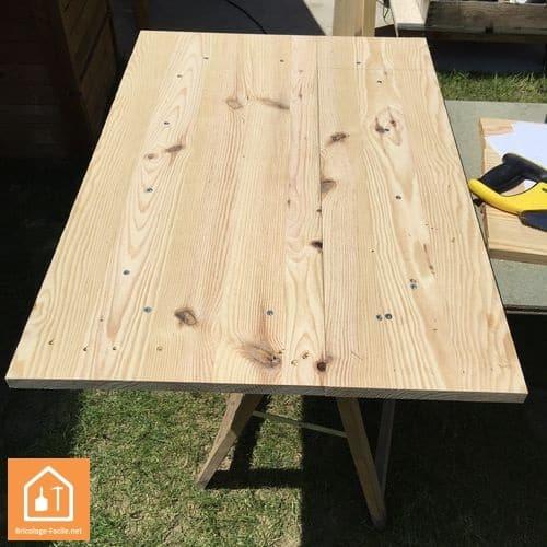 Fabriquer une niche pour chien en bois tuto diy for Construire meuble en carton