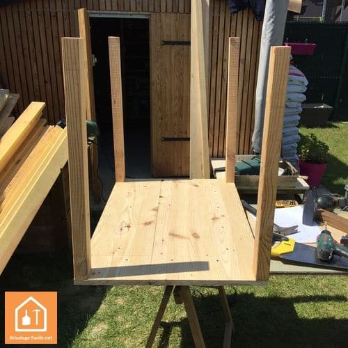 tuto fabriquer une niche pour chien bricolage facile. Black Bedroom Furniture Sets. Home Design Ideas
