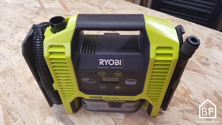 Gonfleur / compresseur Ryobi R18MI-0 sur un établi