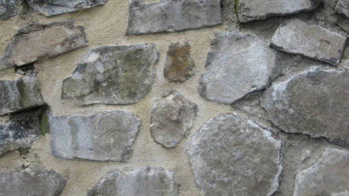 Maconnerie Comment Refaire Les Joints D Un Mur En Pierre