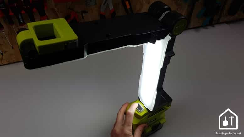 Lampe LED modulable 18V ONE+ de Ryobi -