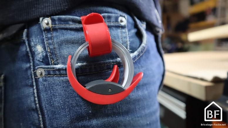 Mètre ruban BMImeter attaché à la ceinture