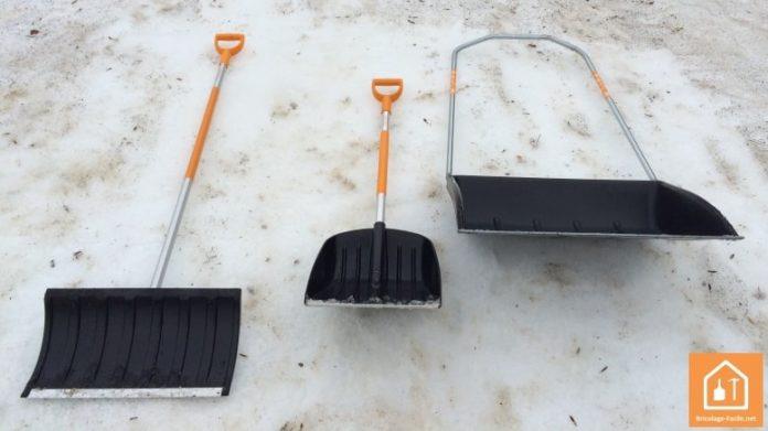 outils à neige snowxpert de Fiskars