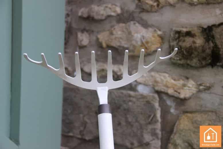 Gamme d'outils de jardin Fiskars Light
