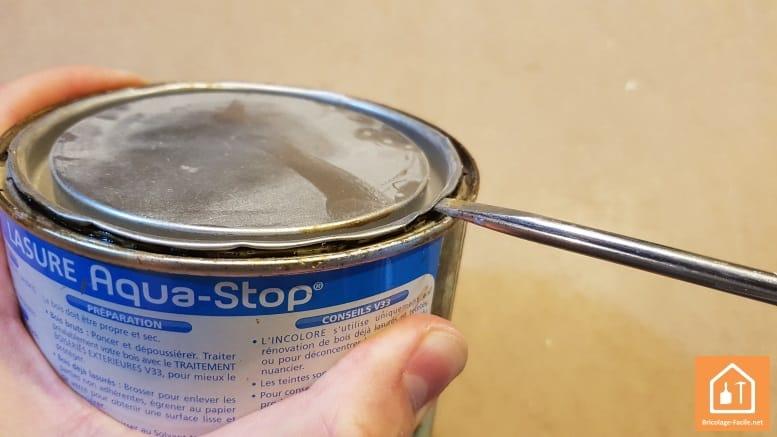 Ouvrir un pot de peinture