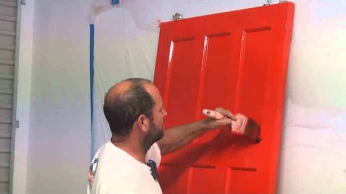 peindre une porte interieure