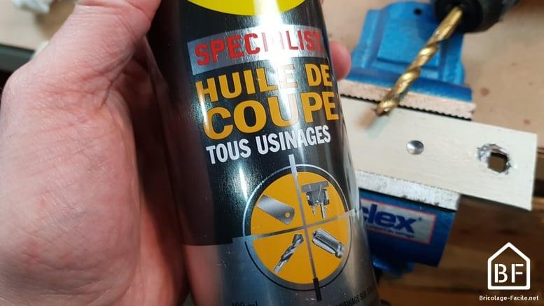 WD40 pour lubrifier pendant le perçage du métal