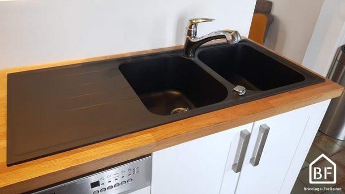 Evier en place et robinet installé