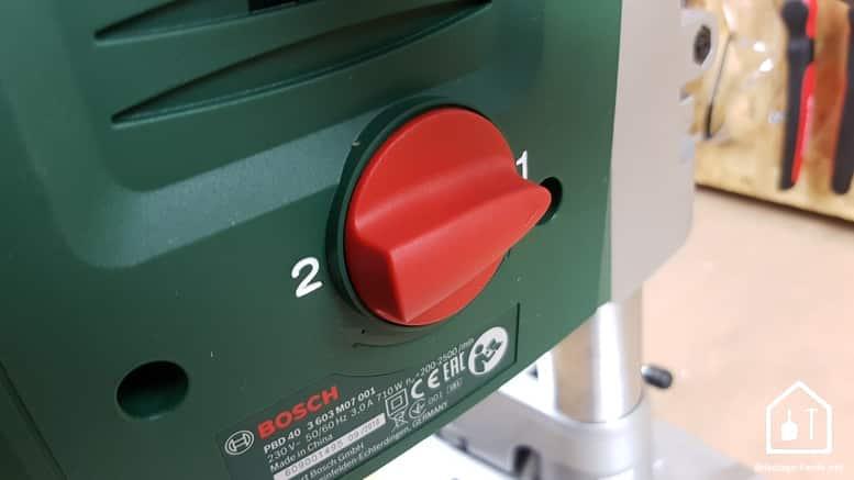 Perceuse à colonne PBD 40 de Bosch - les 2 vitesses