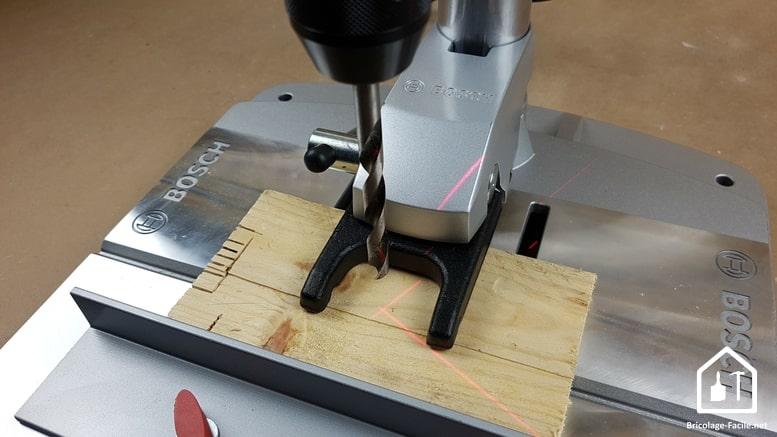 Perceuse à colonne PBD 40 de Bosch - laser