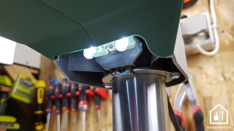 Perceuse à colonne PBD 40 de Bosch - LED