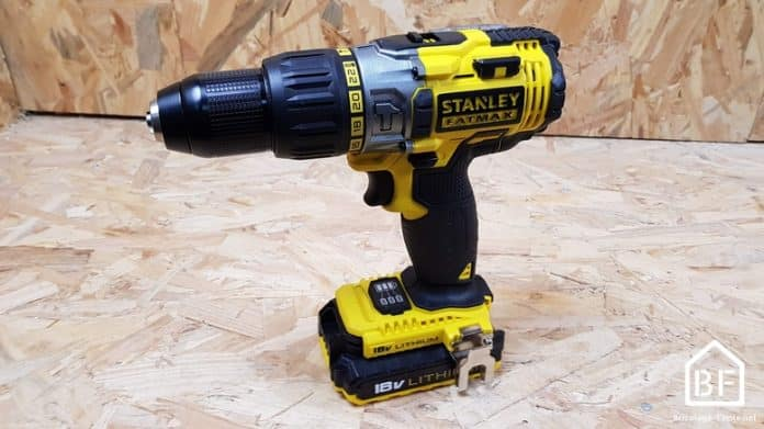 perceuse à percussion Stanley Fatmax 18V FMC625D2