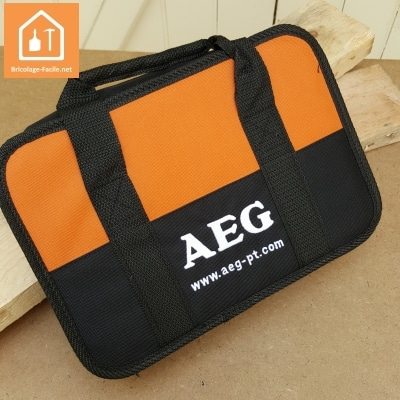 Perceuse compacte BBS 12C2 de AEG