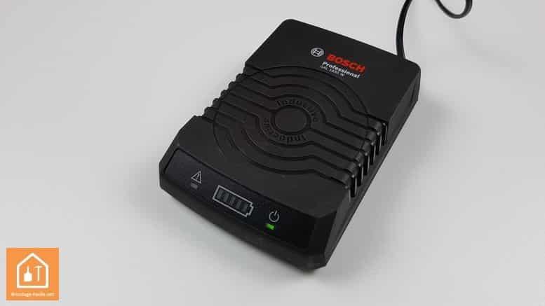perceuse sans fil GSR 10,8V Bosch Professional - chargeur à induction