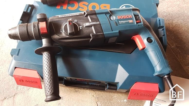 Bosch GBH 2-28 F Professional sur son coffret