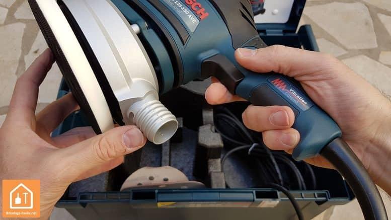 Ponceuse excentrique GEX 125-150AVE de Bosch - embout d'aspiration
