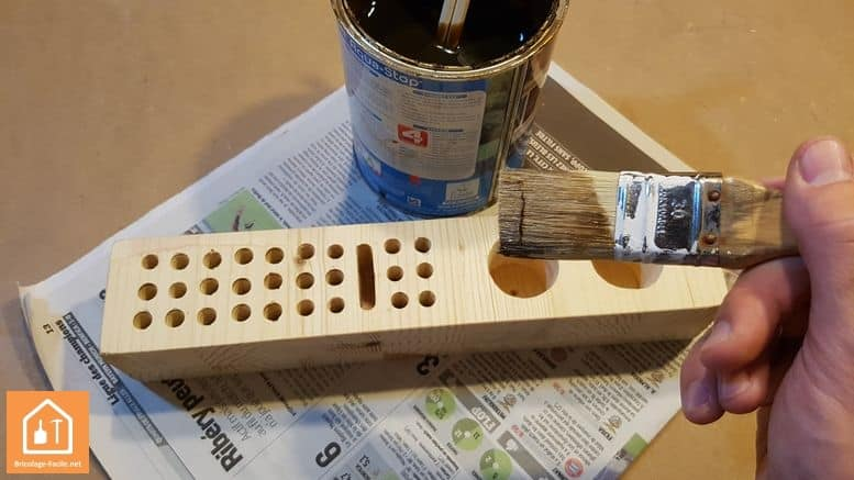 fabriquer soi m me un porte crayon en bois bricolage facile. Black Bedroom Furniture Sets. Home Design Ideas