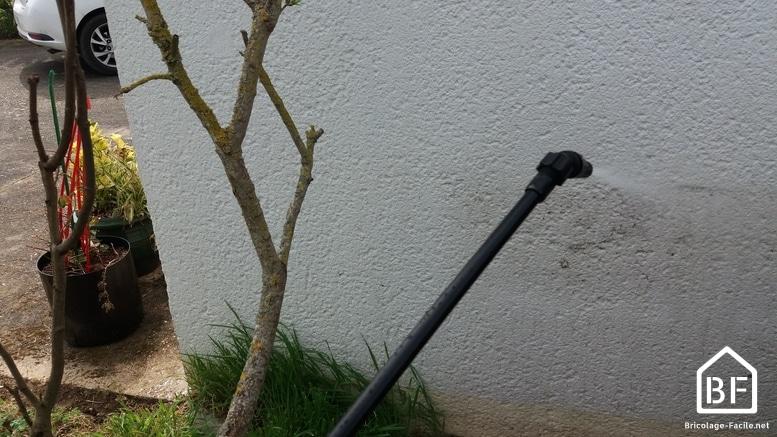 pulvérisation d'un mur