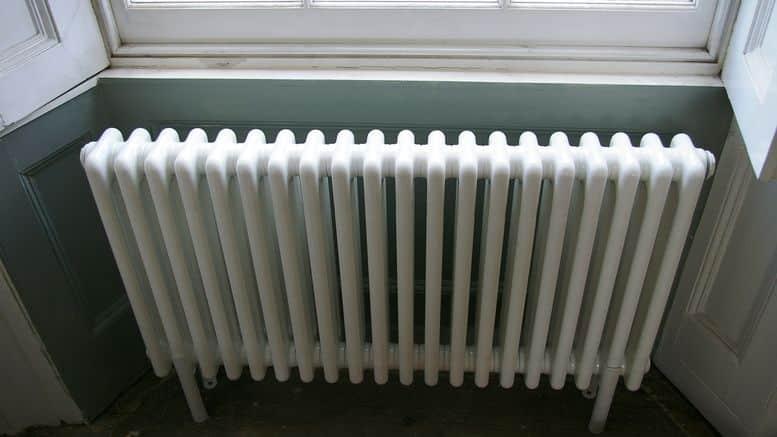 conseil brico comment peindre un radiateur bricolage facile. Black Bedroom Furniture Sets. Home Design Ideas