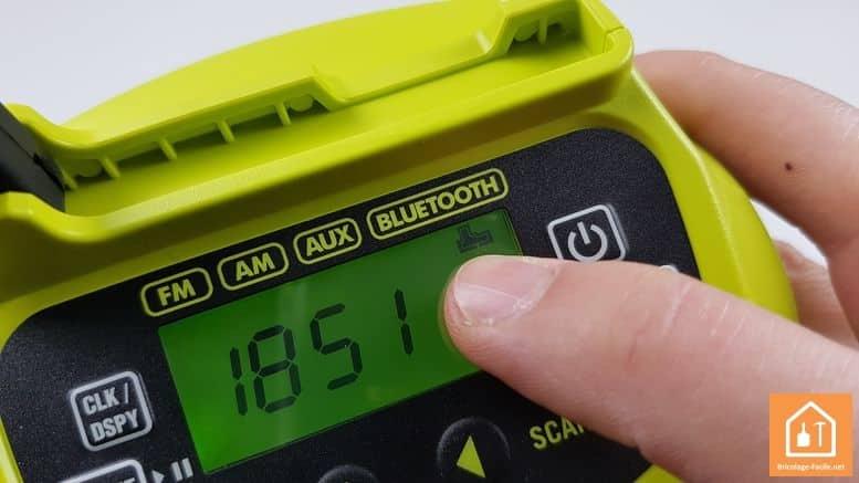 radio de chantier ryobi niveau de la batterie
