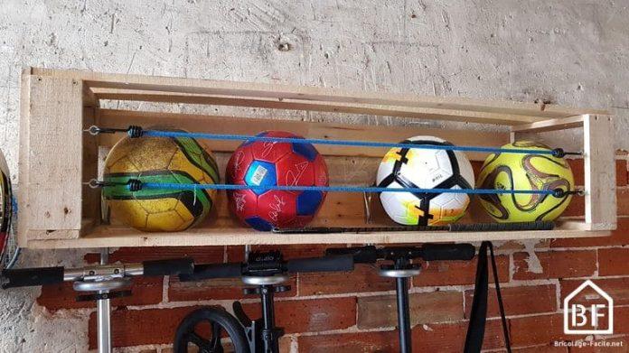 rangement de ballons en bois de palette