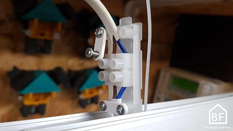 raccordement électrique d'une réglette lumineuse LED