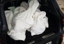 sacs à gravats dans un coffre