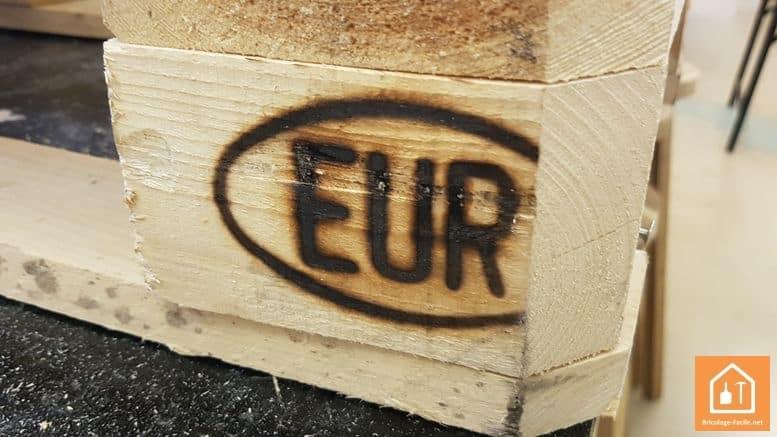 sapin en bois de palettes - palettes EUR