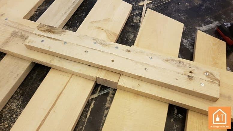 sapin en bois de palettes - assemblage