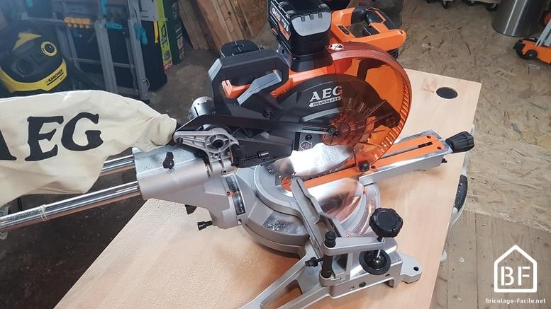 scie à onglet radiale 18V AEG BPS18-254BL