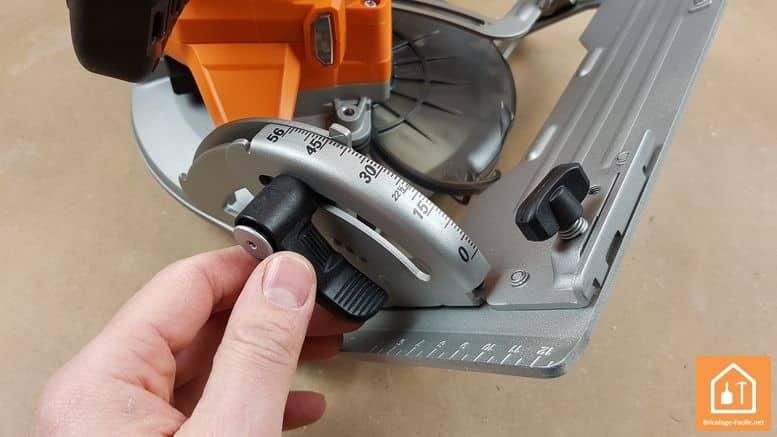 Scie circulaire sans fil BKS 18 BL de AEG - coupe de biais