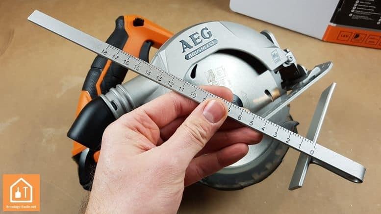 Scie circulaire sans fil BKS 18 BL de AEG - guide