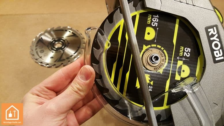 Scie circulaire sans fil R18CS-0 de Ryobi