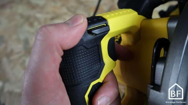 scie circulaire stanley fme301k - prise en main