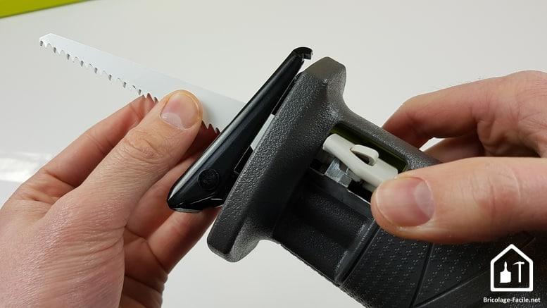 scie sabre sans fil R18RS de Ryobi - changement de lame