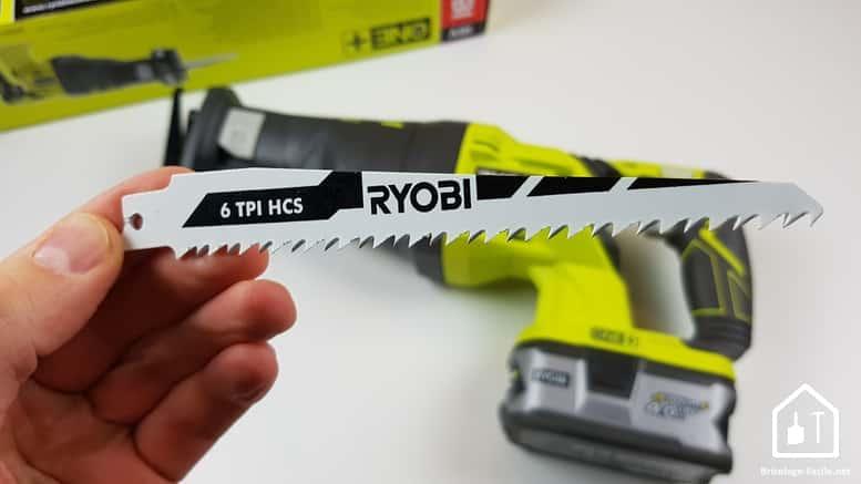 scie sabre sans fil R18RS de Ryobi - lame bois
