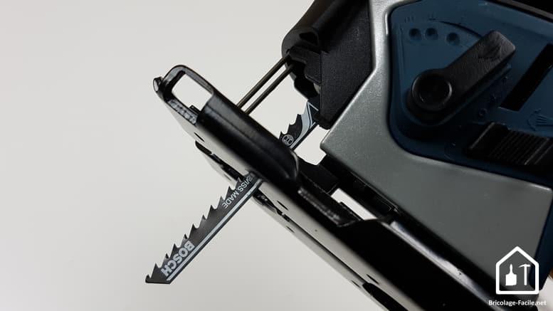 Scie sauteuse GST 90E de Bosch Professional - lame insérée